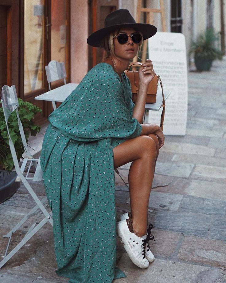 weisse Sneakers Damenhut Sommer Outfit Ideen #wickelkleid #kombinieren #modetrends #sommer #damen