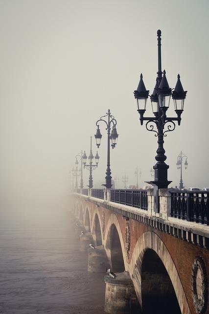 Pont de Pierre, sur la Garonne, Bordeaux