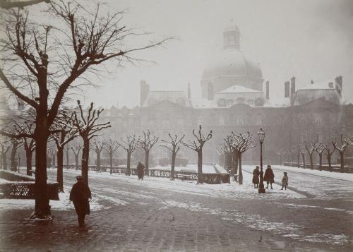 La Salpêtrière sous la neige, boulevard de l'Hôpital, 13ème arrondissement, Paris. | Paris Musées