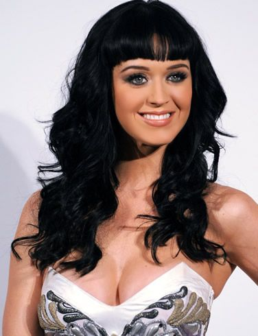 Katie Perry, Social 7, zany, play full and an image of fun and bright eyed.