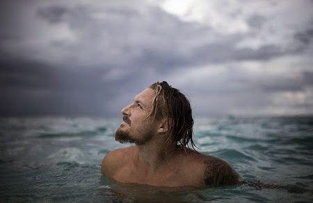 Tips Memotret Gelombang Laut dari Fotografer Buta Warna Ray Collin | The Selfies