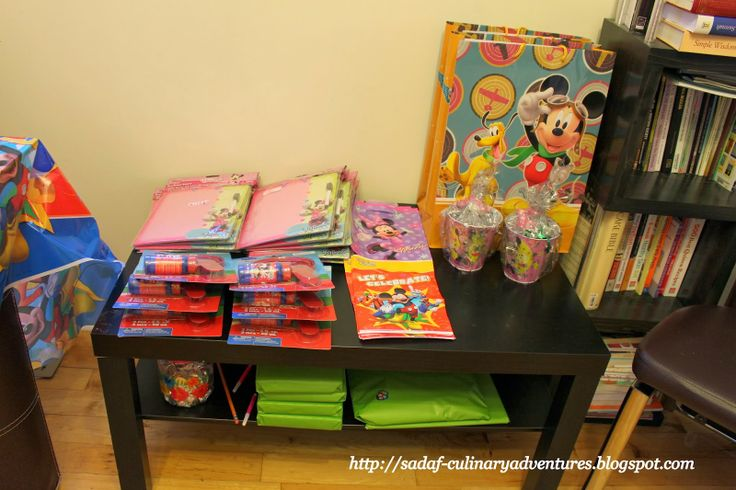 Party Favors - Minnie's Bow-tique Dry Erase Boards, Mickey Mouse Clubhouse Bubble Sets, Mickey and Minnie loot bags and prizes for games