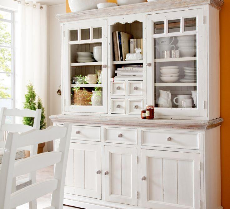 die besten 25 vitrine wei landhaus ideen auf pinterest vitrinenschrank wei buffetschrank. Black Bedroom Furniture Sets. Home Design Ideas