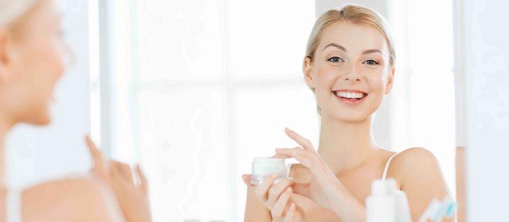 D'estate la pelle è soggetta a diversi stress come l'elevata sudorazione, l'esposizione ai raggi del sole e le elevate temperature. Per ottenere il massimo beneficio i cosmetici e le linee di make-up devono quindi cambiare a seconda della stagione. Un articolo completo di ABCcosmetici  #Packaging #stocksmetic #makeup