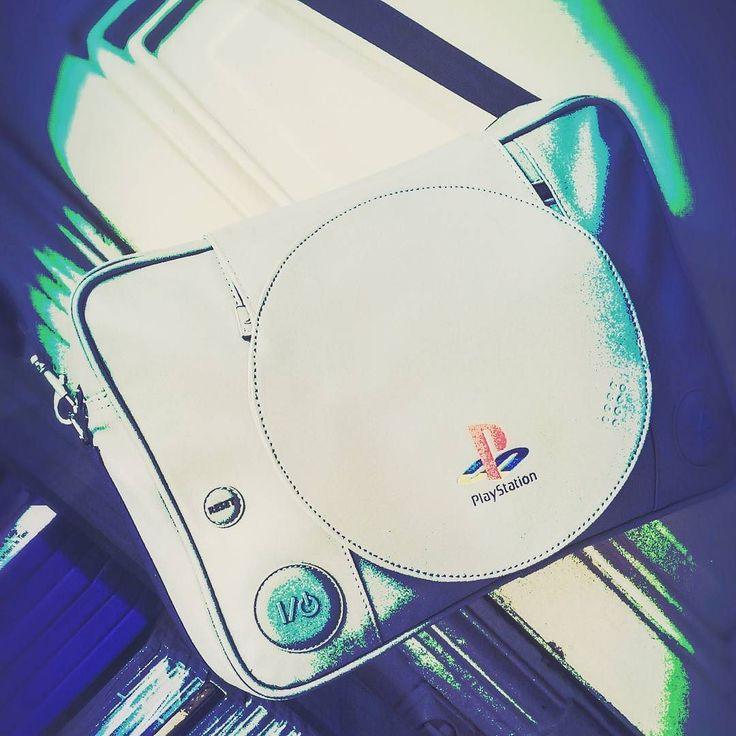 #luggage #messengerbag #playstation #sony #gaming #retrogaming #geek #gamer #nerd #blerd #otaku ##ps1 #instaluggage #instaplaystation #instagaming #instanerd #instablerd #instaotaku #igeroftheday #iger #nerdgasm #geekeries #goodies