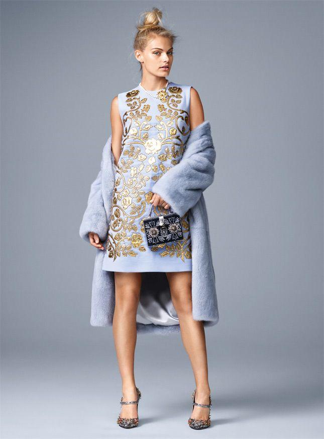 Модные тренды осеннего сезона: голубой, золото, вещи в стиле этно, мини и пестрые принты | Glamour | Glamour.ru