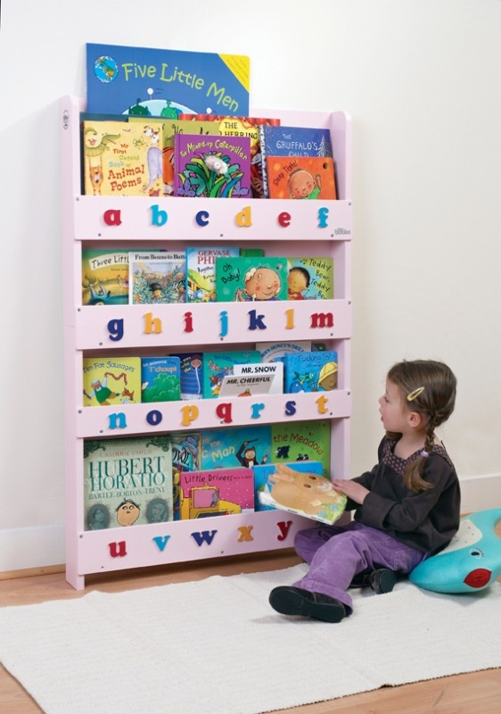 Aufbewahrung im Kinderzimmer | Ausgezeichnetes Kinder Bücherregal für ca. 80 Bücher, rosa mit Buchstaben, Tidy Books