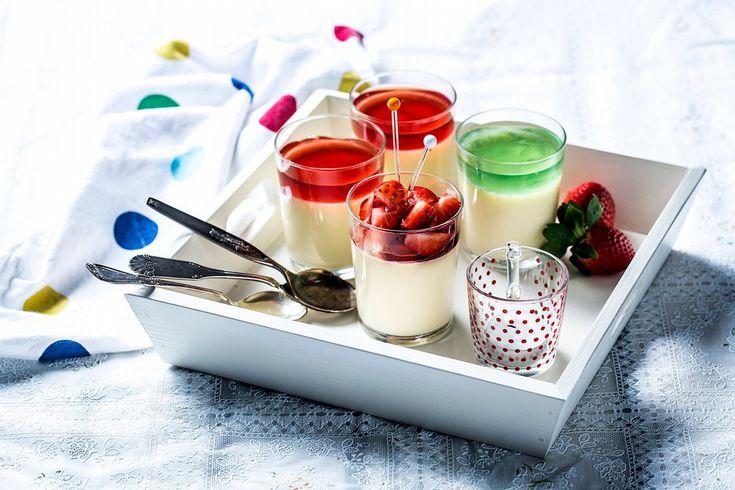 Italiensk dessertklassiker her servert med Piano géle og friske jordbær til. La den stå kaldt i minst fire timer før gjestene dine kommer, slik at du oppnår den beste konsistensen.