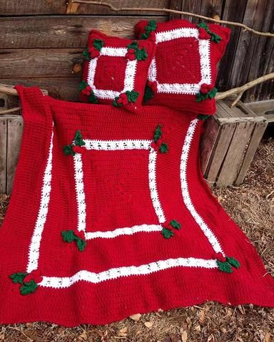 Picture of Holly & Berries Afghan & Pillow Crochet Pattern