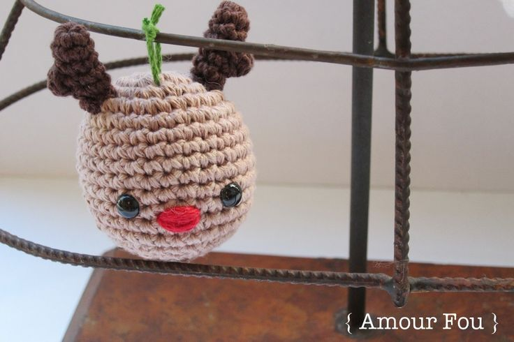 Christmas Ornaments - FREE PATTERN by {Amour Fou}