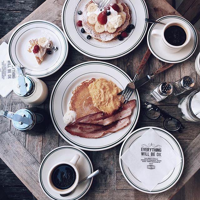 ☕️ . 2連休がおわるーー! 2日連続食べすぎて胃がおかしい カフェインと小麦粉類とりすぎてる🐖🐖 cocoさんと都内lunch🍽 爆笑が止まらなすぎた いちいち腹筋使った👏🏻😂♡♡ 楽しすぎましたありがとうございました( ͡° ͜ʖ ͡°)♡ . . #cafe#lunch#brooklynpancakehouse#pancake#coffee#genic_mag#genic_food#ブルックリンパンケーキハウス#パンケーキ#カフェ巡り#お洒落カフェ#原宿#表参道#明治神宮