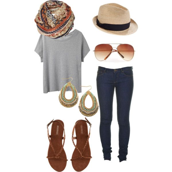 loose t-shirt with skinny jeans sandles