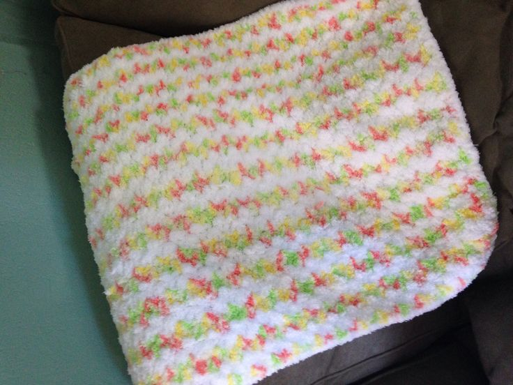 Pipsqueak Baby Yarn Simple Pattern Baby Blanket Finished