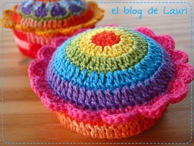 Crochet pincushion...clever and cute! #crochet #pincushions