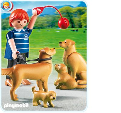 PLAYMOBIL Golden Retriever with Puppies