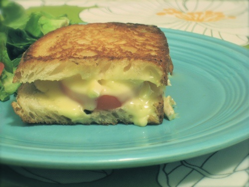Brie and Tomato Grilled Cheese | ah food to soothe the soul | Pintere ...