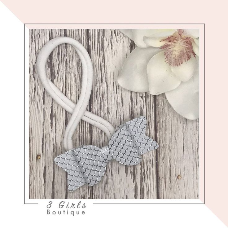 Petite Bow                      – 3 Girls Boutique