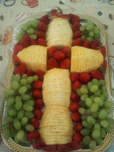 Fruit Salad, Communion Fun Party Ideas, Crosses Fruit, Easter Fruit, Baptisms Parties, Baptism Food Ideas, Fruit Crosses, Baptisms Communion, Fruit Trays