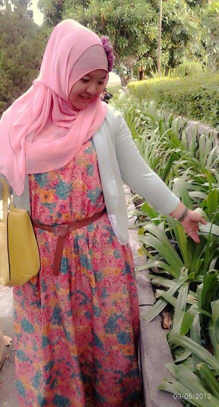 pinky green