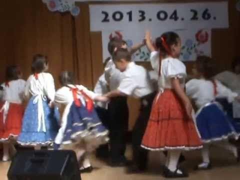 Gyarmati ovis néptánccsoport fellépése Győrszemerén - YouTube