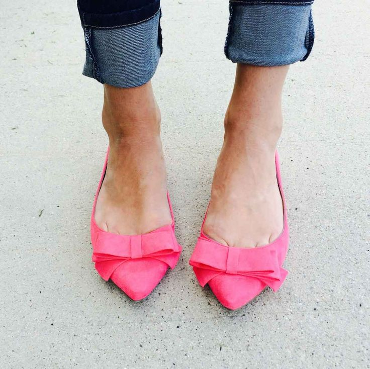 Pink Bow Flats. Pointy toe bow flats. In any color really! Size 8.