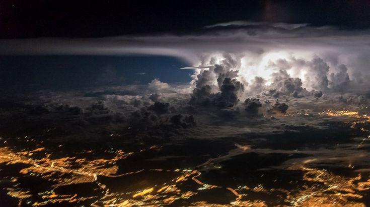 Bir pilotun gözüyle kokpitten çekilmiş büyüleyici fotoğraflar - LOG