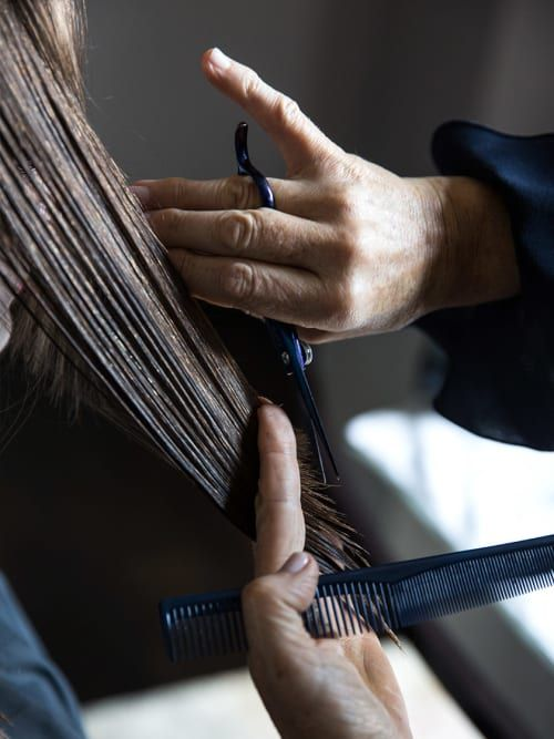 8 Thoughts We All Have At The Hairdresser | Stylight