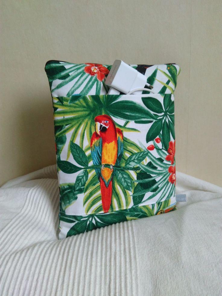 Housse iPad, tablette 10 pouces toile tropicale motif perroquets fleurs et feuilles : Housses ordinateurs et tablettes par cecaroquafait