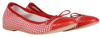 Pin for Later: 50 coole Schuhe für euer Dirndl, die ihr auch nach dem Oktoberfest noch gerne tragen werdet  George J. Love Ballerina (ursprünglich 72 €, jetzt 31 €)