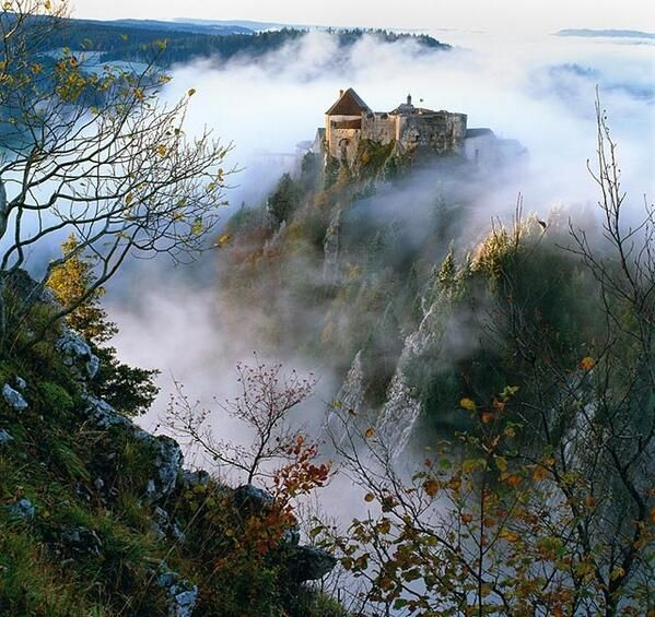✅ Château de Joux (Doubs)   http://www.pinterest.com/adisavoiaditrev/
