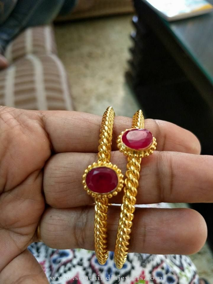 22K Simple Ruby Bangles, Simple Gold Bangle Designs, Simple Gold Bangle Collections.