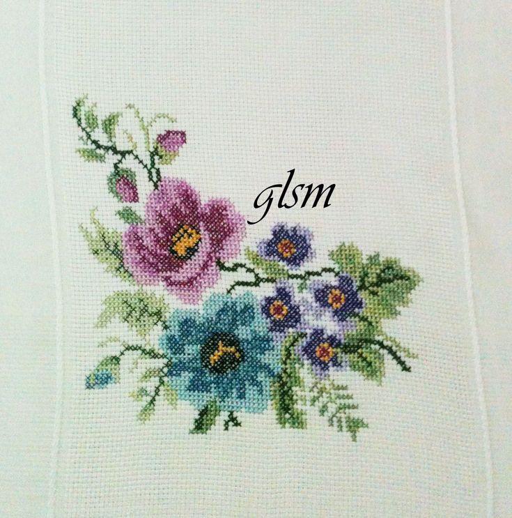 kanaviçe masa örtüsü - cross-stitch tablecloth