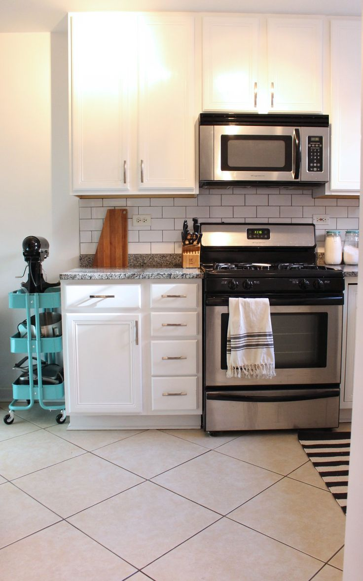 17 Best Ideas About Small Condo Kitchen On Pinterest