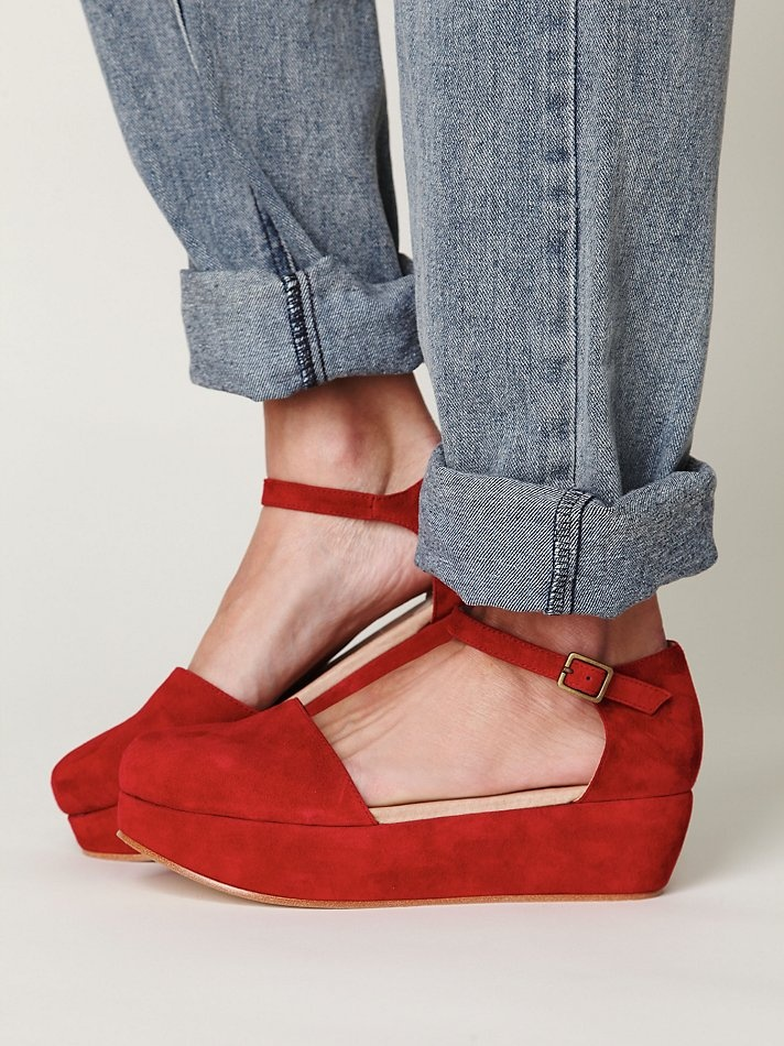 Daphne Platform: Daphne Platform, Free People Shoes, Free People Clothing, Red Shoes, Strappy Platform, Jeans, Flats Shoes, Clothing Boutiques, Freepeopl