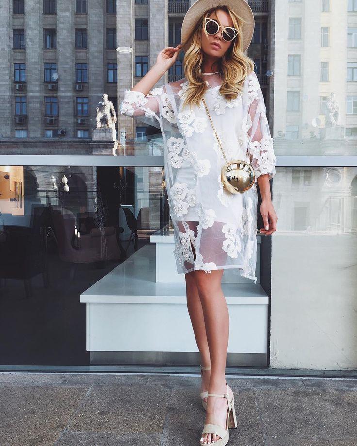 наш любимый комплект платье майка+ прозрачное платье из органзы декорированное цветами( только в комплекте ) замшевые босоножки : беж и Черный цвет ,сумочка ,очки и шляпа Ждём завтра +79670082786 Малый конюшковский переулок д2