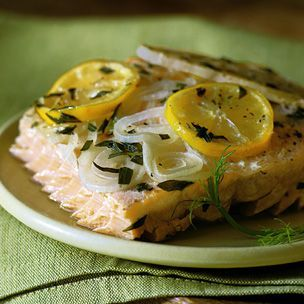 Smoke-Grilled Salmon with Fennel and Tarragon: Grilled Salmon, Fennel, Dinners Recipes, Fish Recipes, Interesting Recipes, Tarragon Recipes, Favorite Recipes, Smoke Gril Salmon, Smokegril Salmon