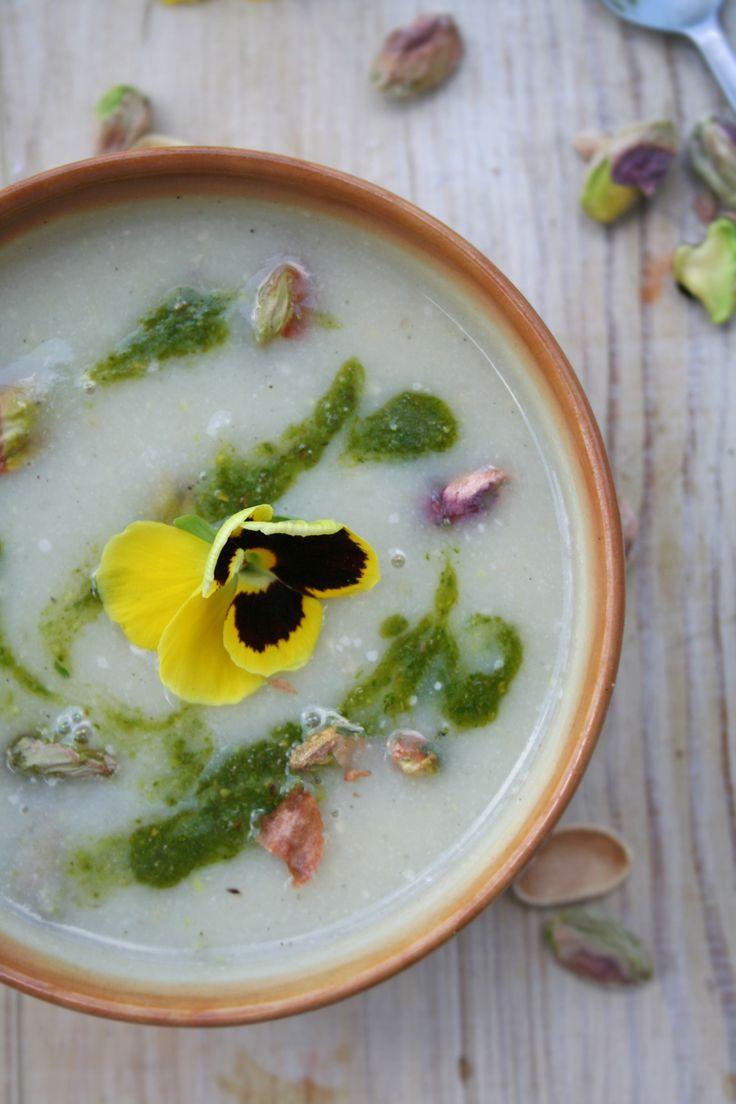 Zupa kalafiorowo-pistacjowa