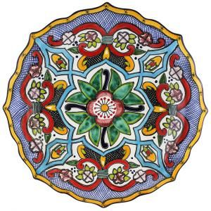 This beautiful, handmade Talavera platter makes a perfect highlight to any dining table, serving area, or wall of your home. This platter is ideal for serving all types of food or drink in southwestern style. As decoration, the platter will make a colorful addition to any room's decor. Beautifully handcrafted by the Tomas Huerta Talavera studio in Puebla, Mexico, every authentic piece is 100% lead free, chip and crack resistant, as well as microwave, oven, and dishwasher safe!