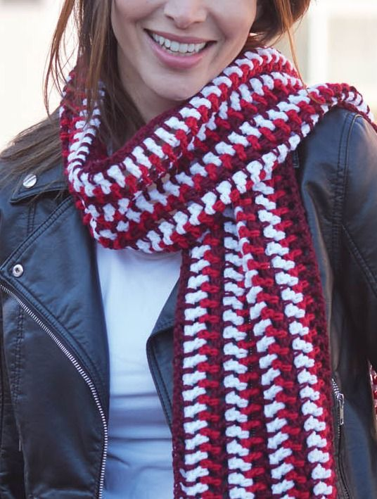 Crochet the perfect striped scarf for fall fashion! You'€™ll love this easy DIY project!