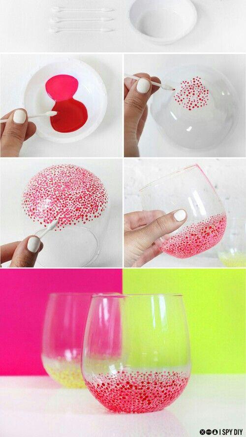 Glaasjes met verf