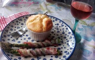Baked asparagus wrapped in bacon / Pieczone szparagi z boczkiem