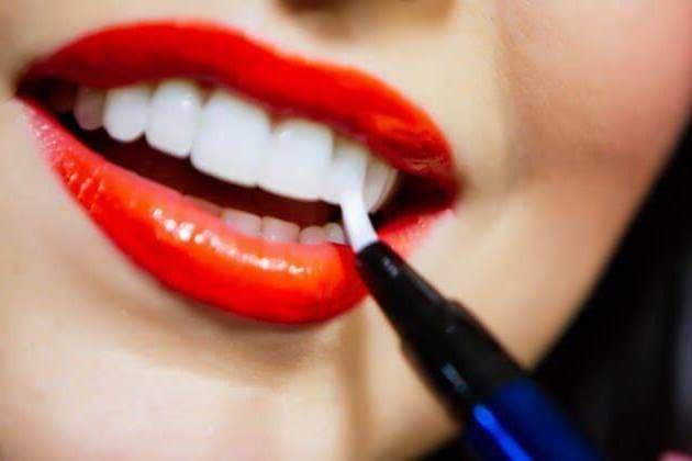 مكياج تبيض الأسنان قلم تبييض الأسنان ولمعانها في دقيقة واحدة دون أضرار