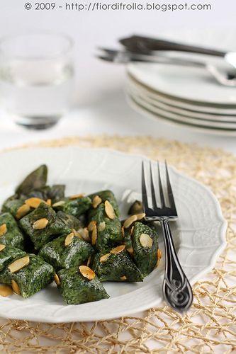 Gnocchi di ricotta e spinaci alle mandorle      #recipe #juliesoissons