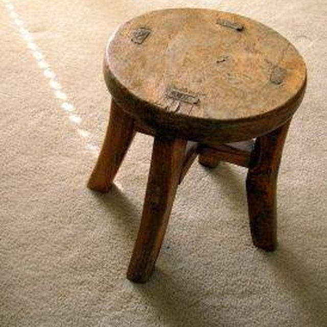 Remove a Mildew Smell From Wood Furniture