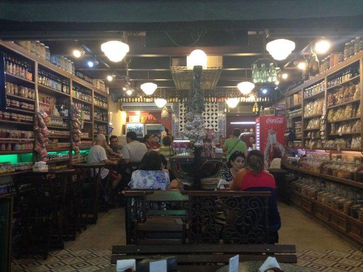 Antiga Mercearia e Bar - Bar de cervejas especiais localizado em Rio de Janeiro/Rio de Janeiro.