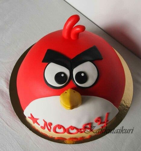 Red angry bird cake