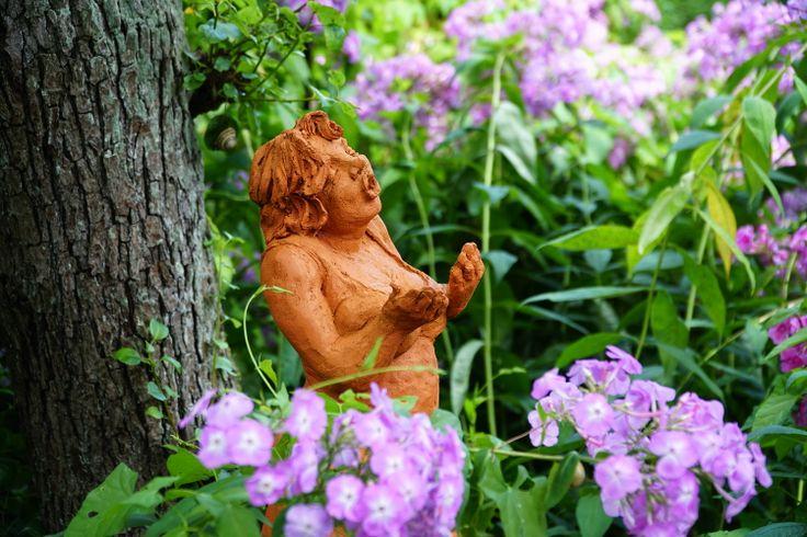 Lore Keramik In Baruth Ein Zauberhafter Garten Mit Tollen Figuren Garten Offene Garten Brause