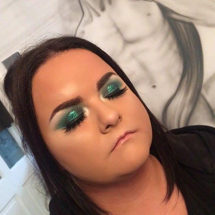 @nyxcosmetics green glitter  #middlesbroughmakeup#makeup#makeover#makeupartist#makeupbyme#makeupbyterrimcgee#boro#blonde#teesside#middlesbrough#mac#maccosmetics#anastasiabeverlyhills#prommakeup#undiscovered_muas#purple#makeupadydiction#makeupforever#makeupjunkie#mua#wakeupmakeup#lashes#rxycosmetics#prom#eyelashes#lashes#selfie