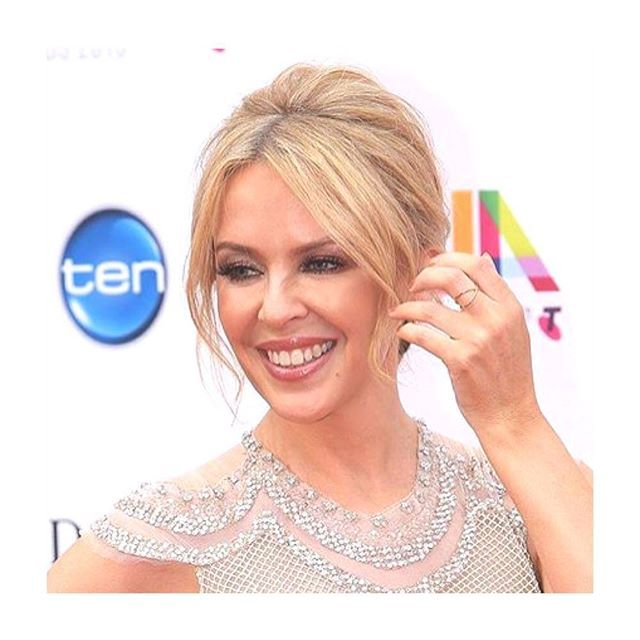 The lovely, smokin' Kylie wearing the Atom ring at 29th Annual ARIA Awards in Sydney.  #kylieminogue #lulubadulla #contemporary #jewelry #Sydney #danishdesign #grateful  ❤️ credit: @thejewelleryroom_official