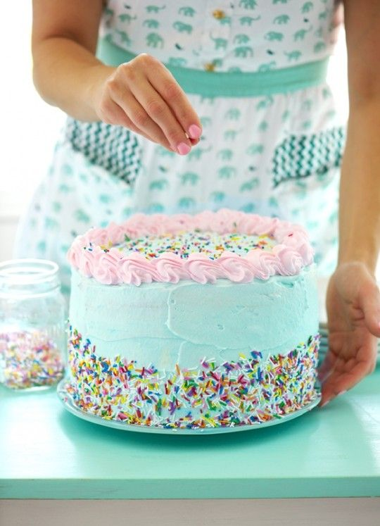 Birthday Party Ice Cream Cake! Love the look and that its ice cream cake... Think I will have to make two!